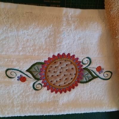 Michelle Fancy Flower Guest Towels Aug 16