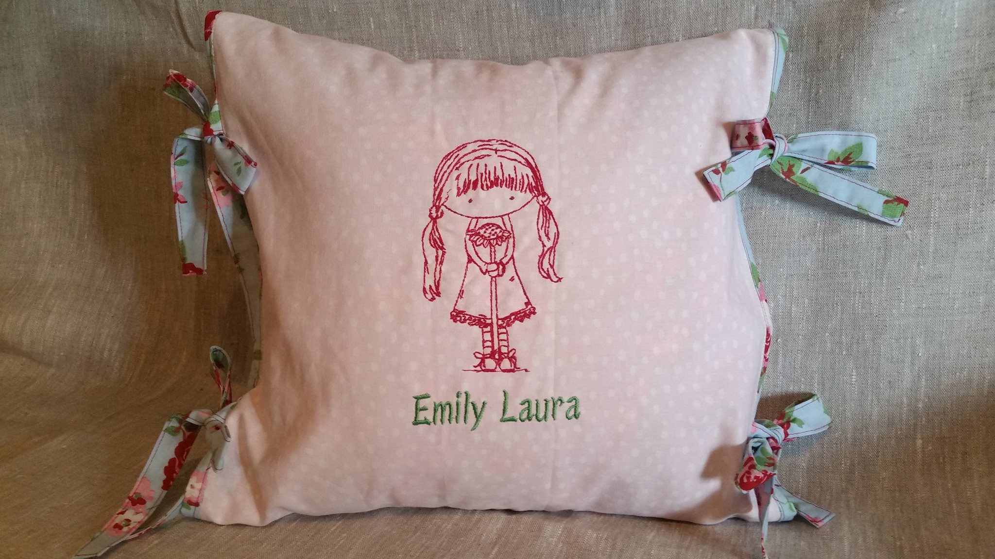 Emira Ambers World Quillow and Bag Jun 16