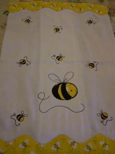 Mirta - Bees Blanket