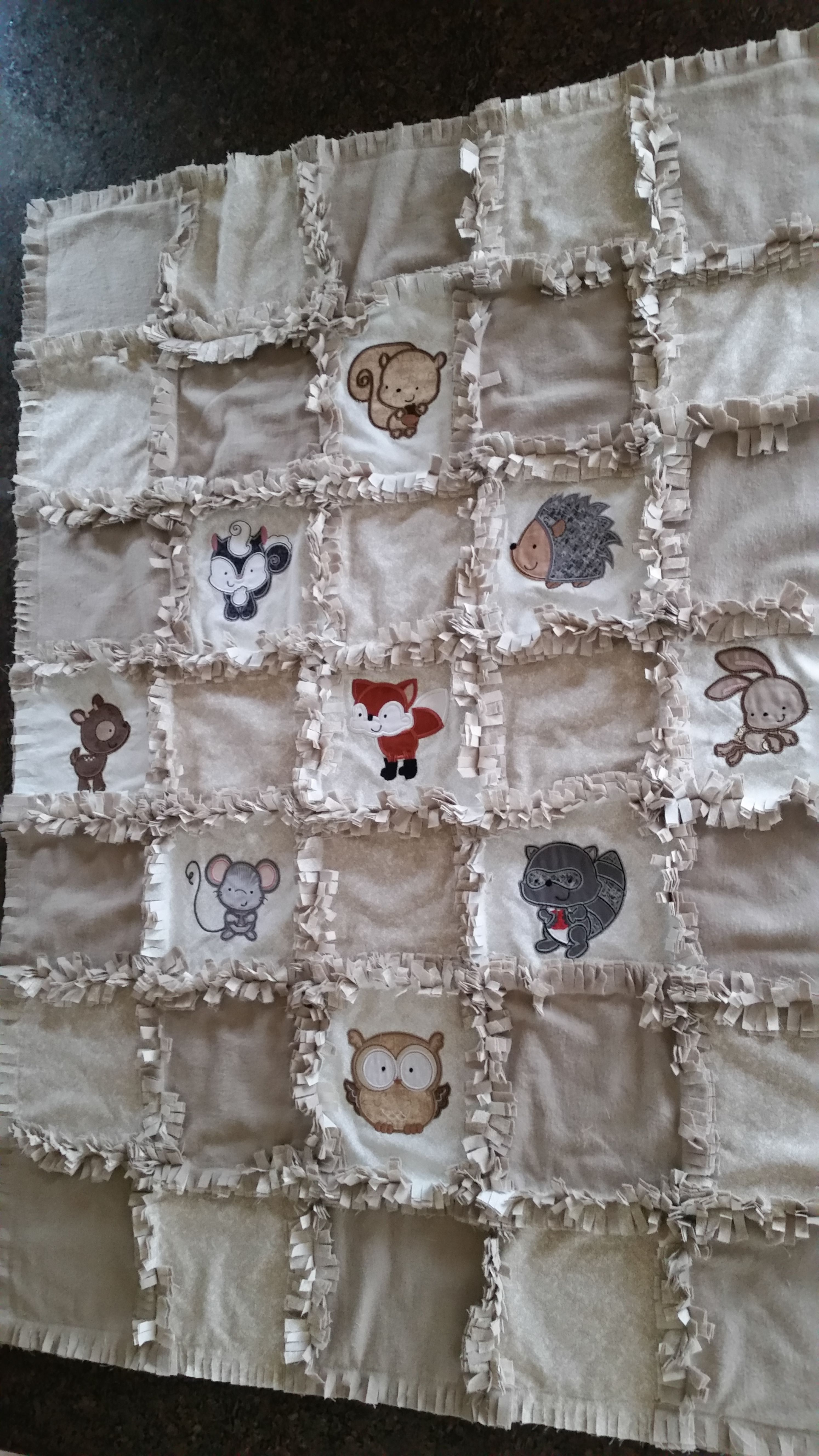 Carolyn Forest Animals Rag Quilt JUN16