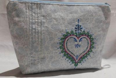 Emira Mehndi Hearts Bag